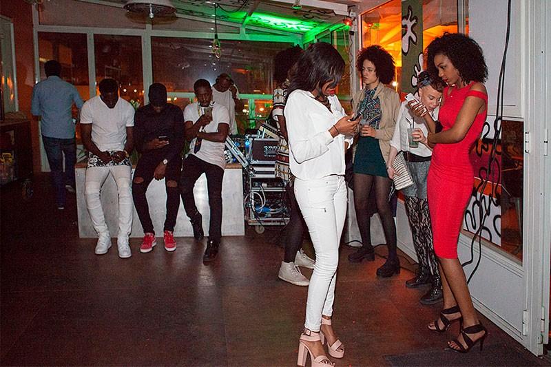 http://helenedres.com/files/gimgs/th-40_09_HDres_Afropolitan.jpg